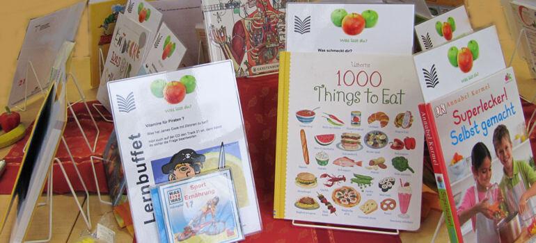 Verschiedene Kindersachbücher zum Thema Ernährung sind auf dem Bild zu sehen